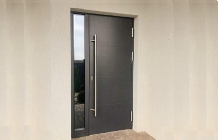 Ламинированная дверь с HPL панелью фото